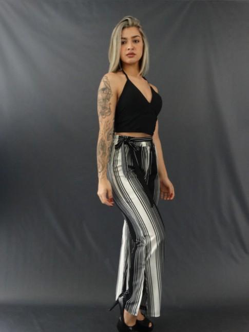 Calça Pantalona com Fenda e Faixa Lateral em Crepe de Malha Listras Largas e Finas Preto e Branco [2011189]