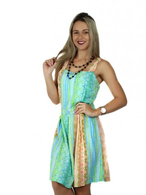 Vestido de viscose com prega na saia estampa floral