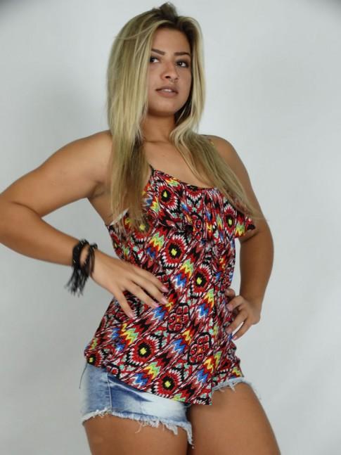 100 - Blusa em Viscose com alça regulável com babado no decote Estampa Grafite Vermelho