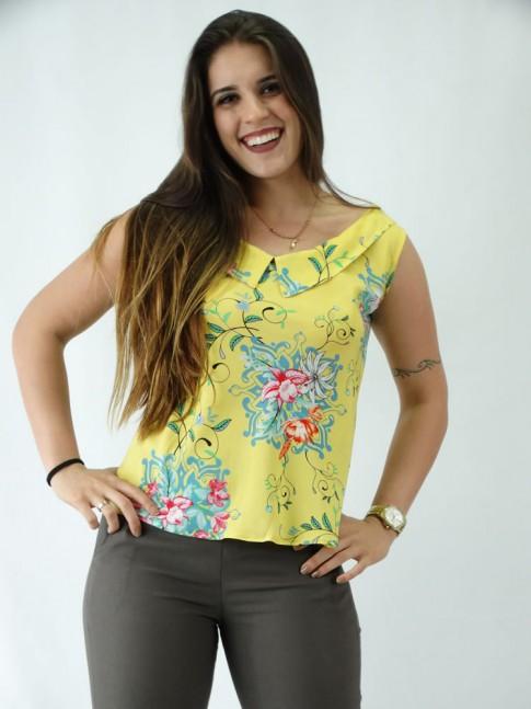 Blusa em Viscose Decote Canoa com Colarinho Amarelo Flores