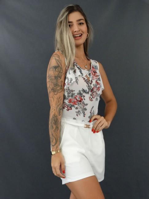 Macaquinho Decote Gota com Babado e Fivela na Cintura em Cetim com Crepe Branco Flores Vermelhas [2103080]