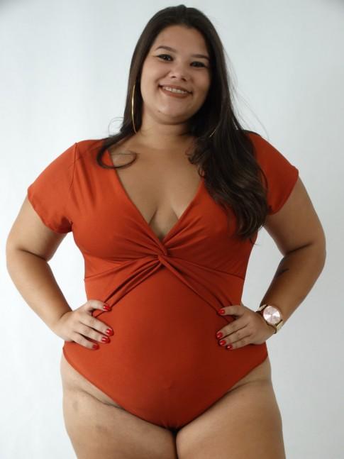 Body em Suplex com Manguinha Decote Torcido Plus Size Ferrugem [1910424]