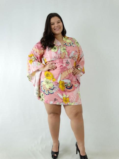 Vestido em Viscose Manga Flare e Decote Transpassado Plus Size Rosa Flores Borboletas [1907089]