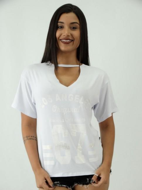 T-shirt em Viscolycra com Recorte V Estampa Los Angeles Numeros