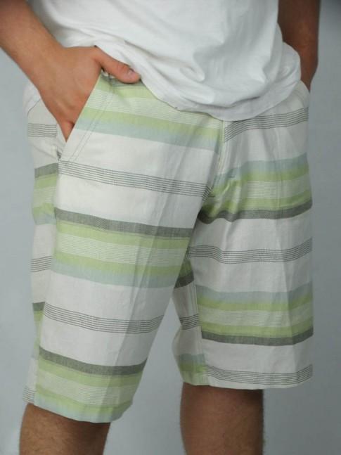 312-Bermuda cargo em brim com bolsos lateral e tras. Listrada branco, verde e caque