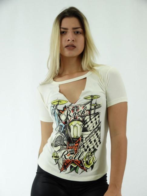 T-shirt em  Viscolycra Recorte V Estampa Instrumentos do Rock