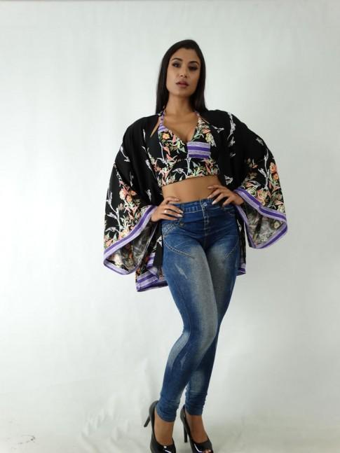 Kimono em Viscose Preto Flores Barrado Lilás [1904179]