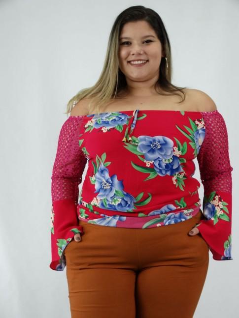 Blusa em Crepe Plus Size Manga Longa Flare com Renda Rosa Flores