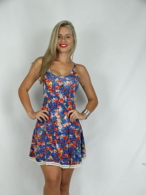 314 - Vestido em Visco Lycra com Aplicação de Renda Estampa Flores Vermelhas 634