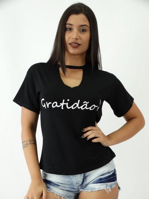T-shirt em Viscolycra com Recorte V Estampa Gratidão