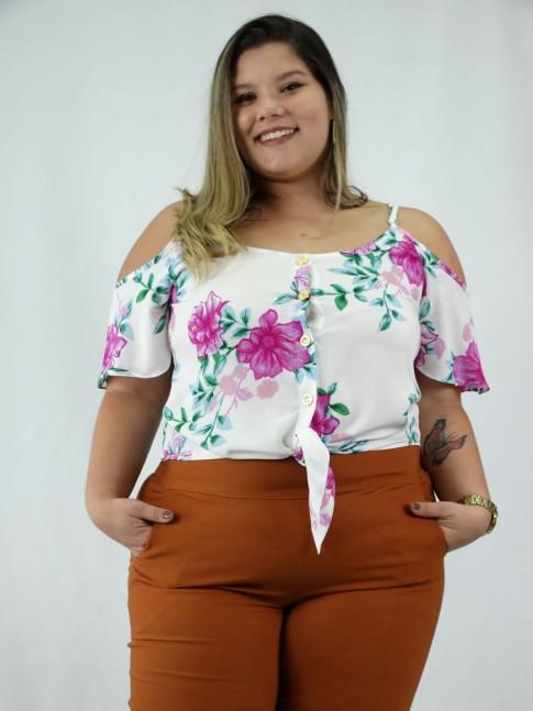 Blusa em Viscose Plus Size Manga Vazada e Botoes Branco Flores