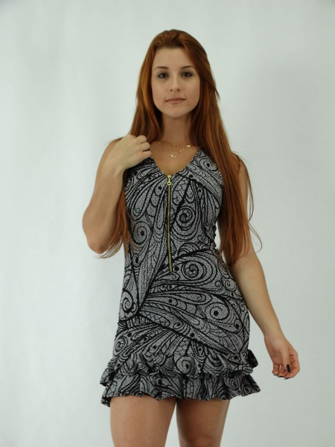 Vestido em Jacquard estilo tubinho com babadinho na Barra