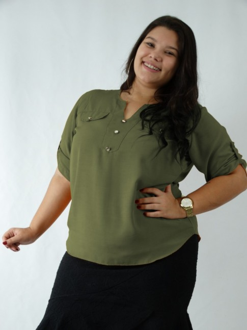 Blusa em Viscose Decote V com Botoes Verde Militar Plus Size [2003148]
