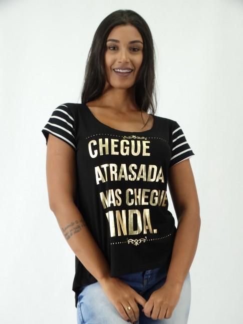 T-shirt em Viscolycra Mullet Estampa Chegue Atrasada