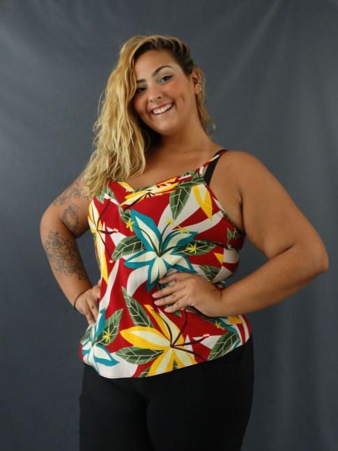 Blusa de Alça Decote V com Detalhes Plus Size em Viscose Vermelho Flores [2101041]