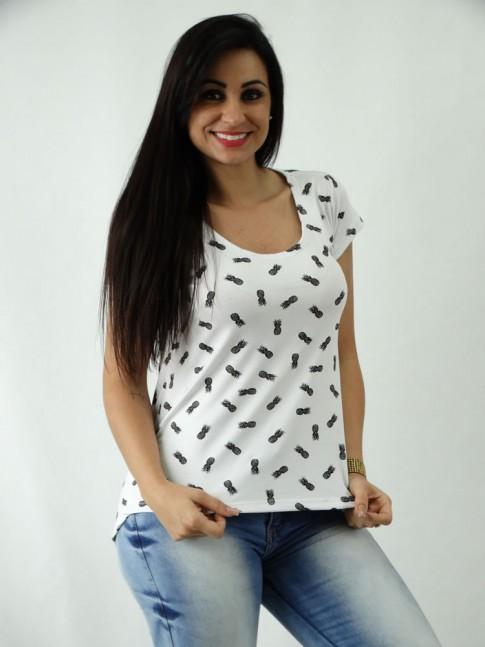 T-shirt em Viscolycra Mullet Estampa Abacaxis