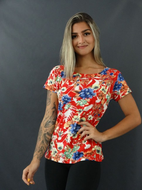 Blusa T-shirt Estampada em Viscolycra Vermelho Flores Azuis [2101127]